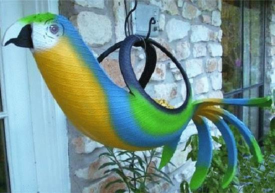 Repurpose-Old-Tire-into-Animal-Themed-Garden-Decor-2